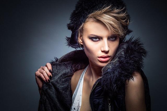 Historia i rola makijażu w życiu kobiety.