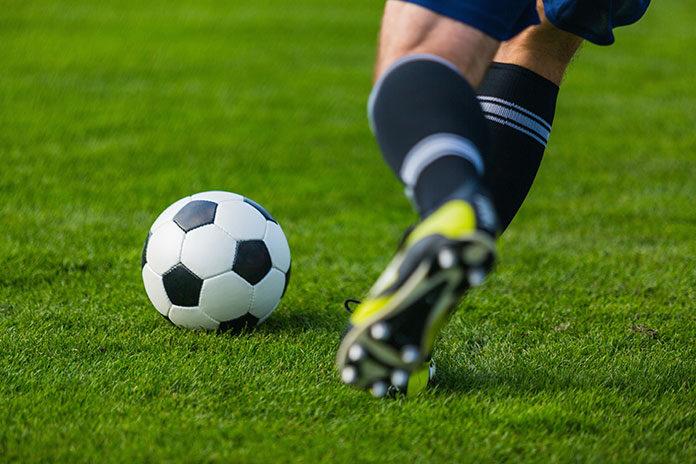 Buty Nike – praktyczne i wygodne obuwie na boisko