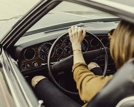 samochód dla początkującego kierowcy